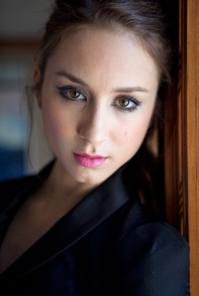 Troian Bellisario - Photo Gallery